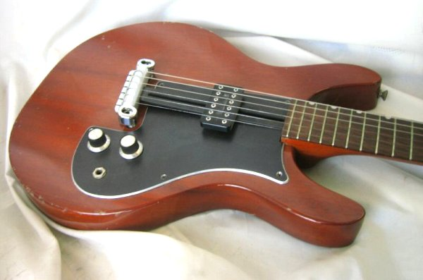 And in the 70s Gibson came out with the 'Grabber' bass: